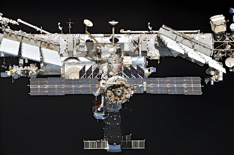 Заключён контракт на отправку двух МКС-туристов в 2021 году