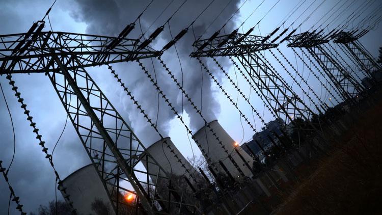 Обычный рабочий день угольной электростанции (Reuters)