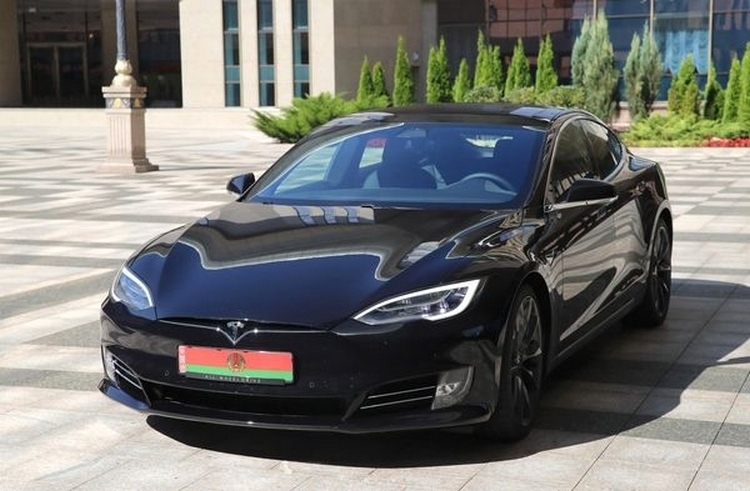 Tesla Model S президента Беларуси