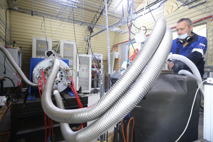 В России испытан авиационный электродвигатель на сверхпроводимости: самолёт-гибрид полетит в 2021 году