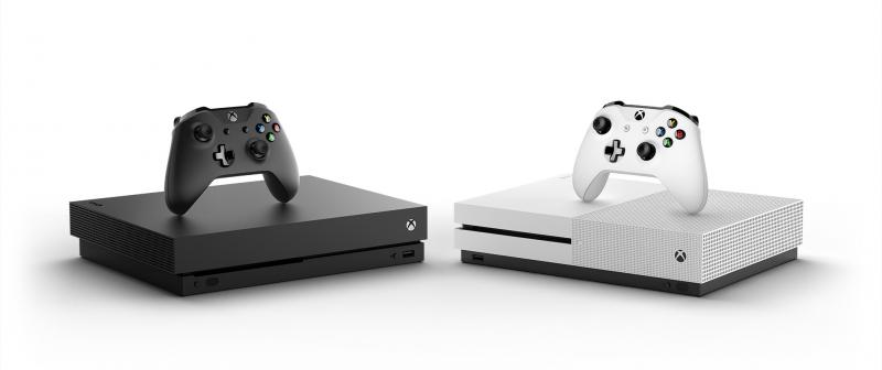 Xbox One, которых мы заслуживаем — слева мощная X, справа доступная S