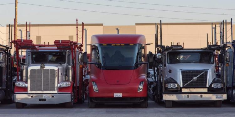 Tesla развернёт производство электрических грузовиков Tesla Semi в Техасе
