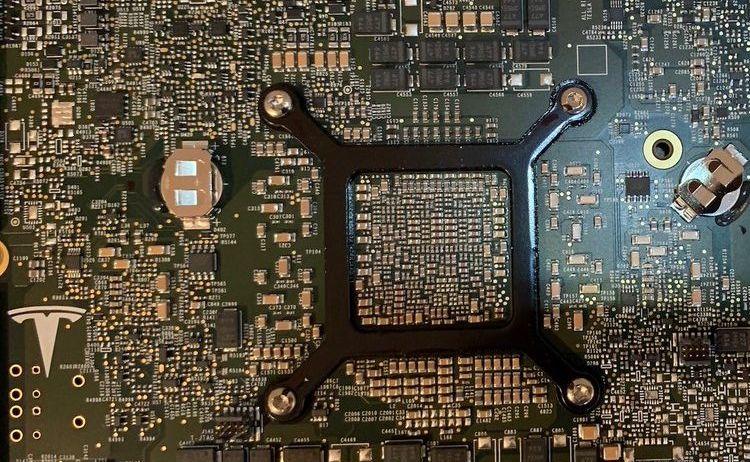 Процессор Tesla четвёртого поколения для автопилота начнут производить до конца текущего года