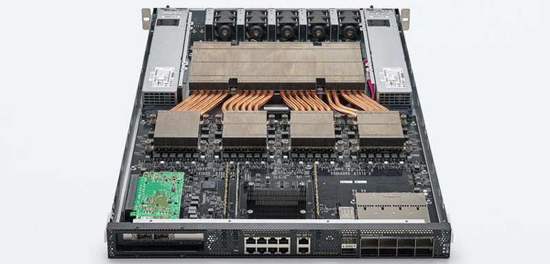 Colossально: ИИ-сервер Graphcore с четырьмя IPU на борту