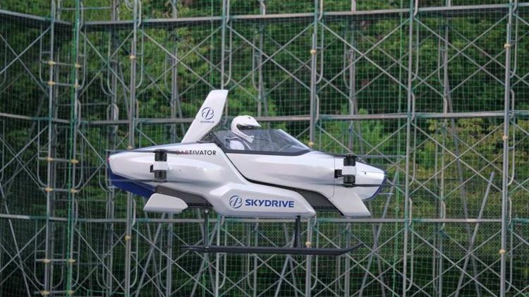 Японцы впервые протестировали летающий автомобиль с участием пилота