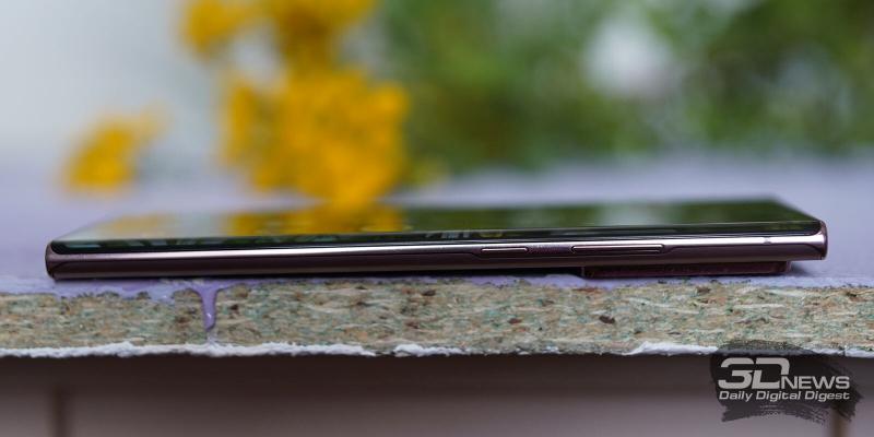 Samsung Galaxy Note20 Ultra, правая грань: клавиши блокировки/включения и регулировки громкости/спуска затвора камеры