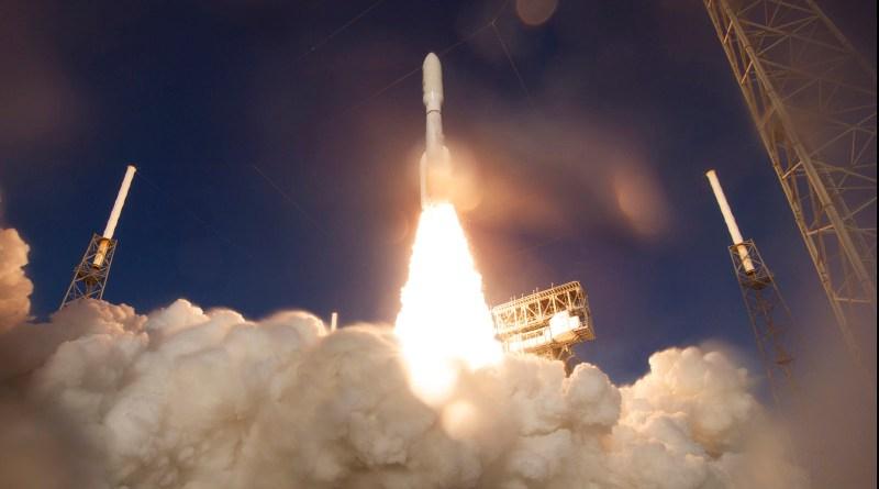 Старт ракеты Atlas V со станцией Mars 2020 Perserverance. Фото с сайта defpost.com
