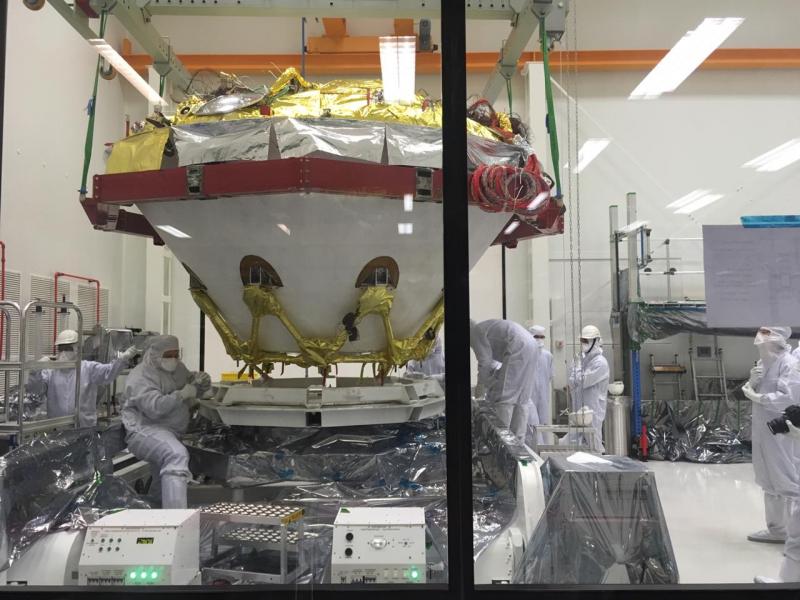 Механическая стыковка перелетного и десантного модулей ExoMars-2020 в Thales Alenia Space Italia (Италия). Фото Роскосмоса