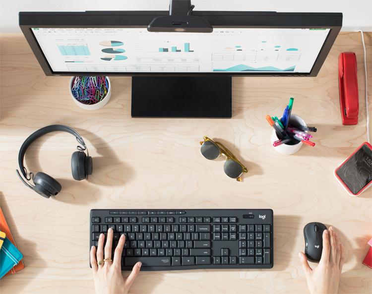 """Клавиатура и мышь Logitech MK295 Silent Wireless Combo обеспечат тишину на рабочем месте за счёт тихих кликов"""""""