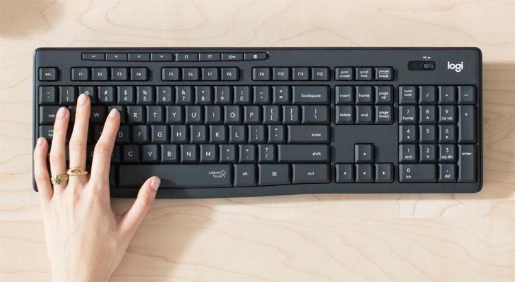 Клавиатура и мышь Logitech MK295 Silent Wireless Combo обеспечат тишину на рабочем месте за счёт тихих кликов