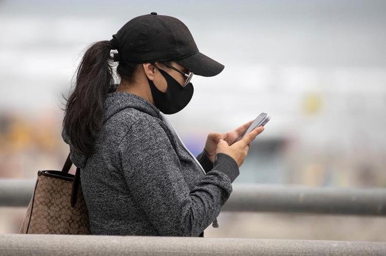 """Во время пандемии россияне стали больше общаться друг с другом по телефону"""""""