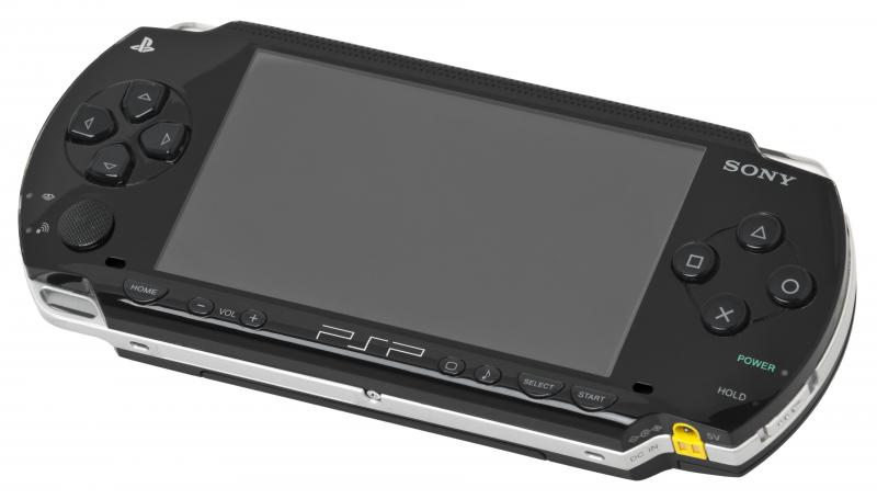 Дизайнеры Sony даже портативке старались придать вид премиум-продукта