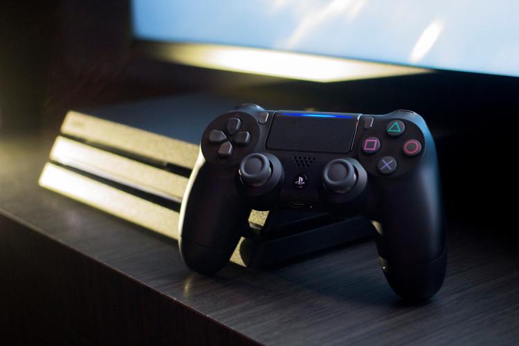 Подержанные PlayStation 4 в России резко подешевели после анонса цен PlayStation 5