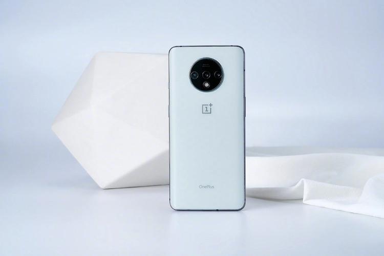Представлена самая эксклюзивная версия OnePlus 7T: смартфон в новом цвете выйдет в единственном экземпляре