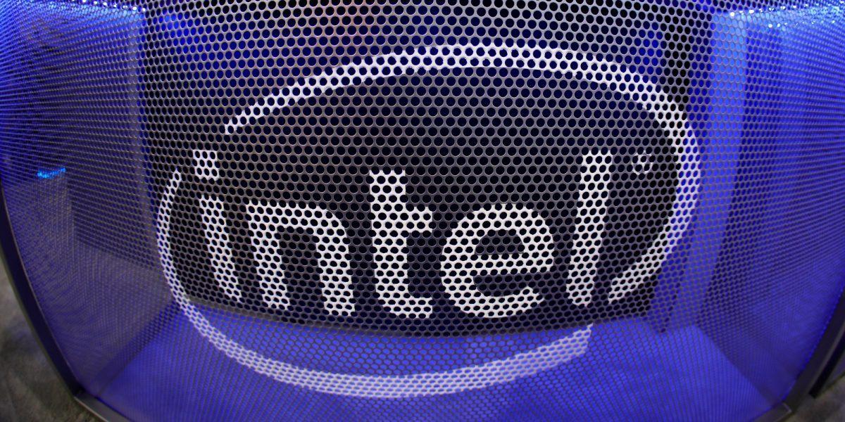 Власти США разрешили Intel и дальше поставлять свою продукцию Huawei
