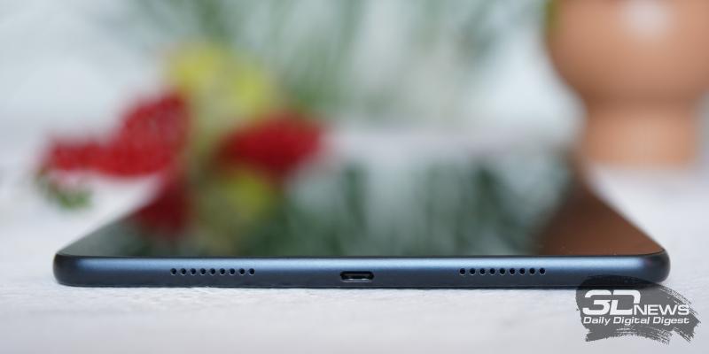 onor Pad V6, правая грань: два динамика и порт USB Type-C