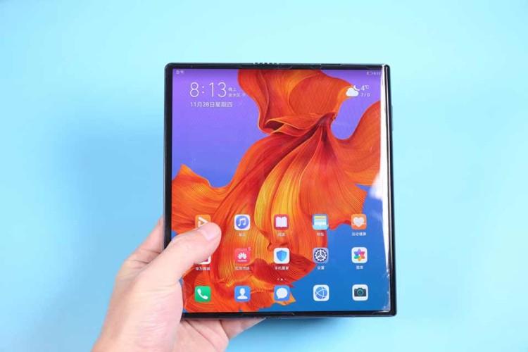 Гибкий Huawei Mate X2 всё же выйдет в срок. Смартфон уже прошёл сертификацию