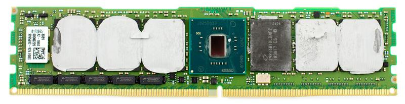 Модуль Optane DCPMM без радиатора. Виден контроллер и один из чипов Optane