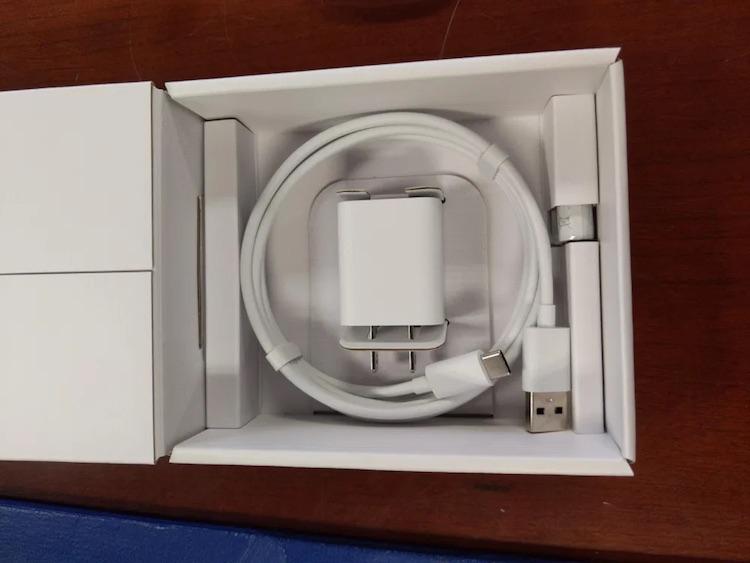 Новый ТВ-брелок Chromecast с Google TV показался на фото и видео