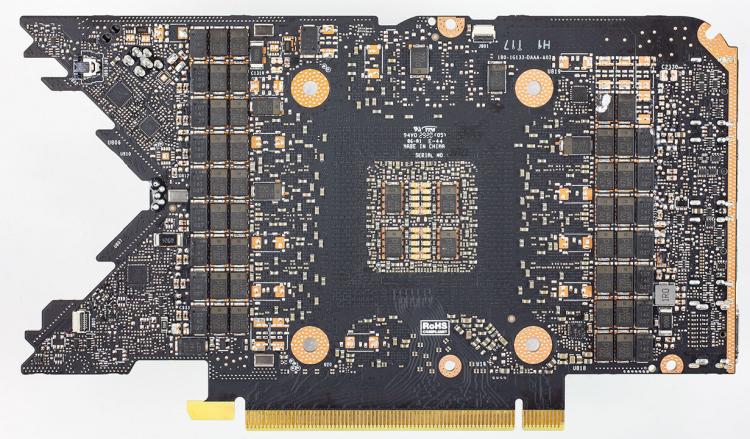 Печатная плата эталонного варианта видеокарты GeForce RTX 3080 Founders Edition от NVIDIA