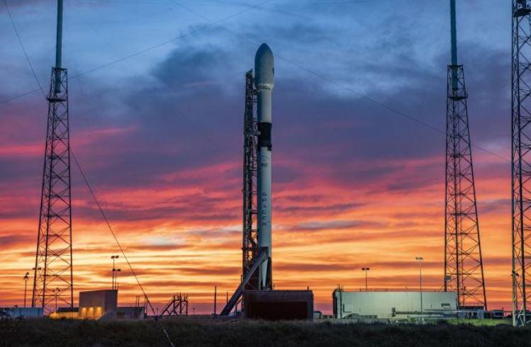 """SpaceX отменила запуск ракеты Falcon 9 с навигационным спутником за две секунды до старта"""""""