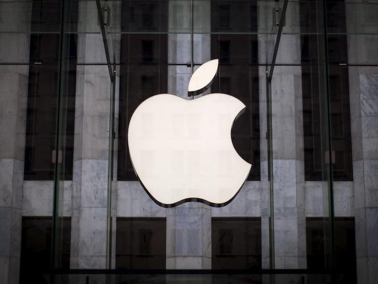 Apple вознаградила команду хакеров за обнаружение 55 уязвимостей в её продуктах