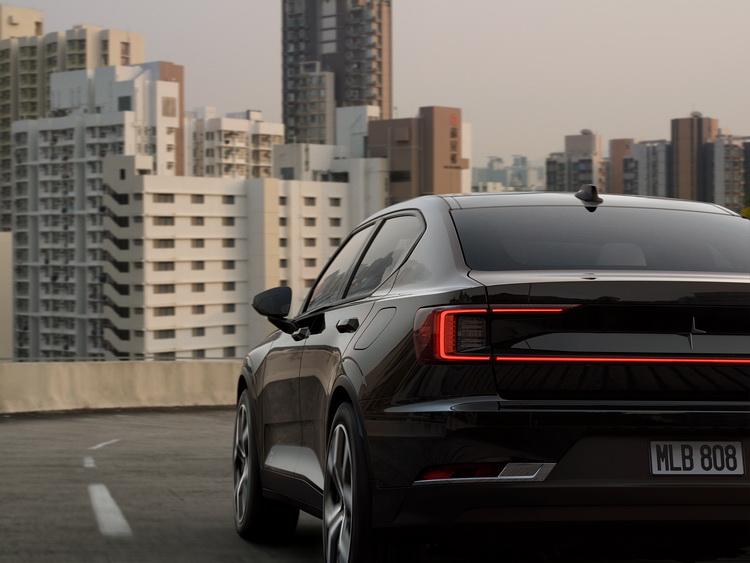 Превзойти Tesla Model 3 не получилось: реальный запас хода электромобиля Polestar 2 оказался ниже 400 км