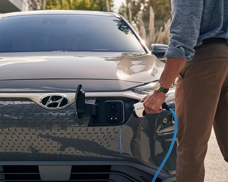 Hyundai отзовёт электрокары Kona Electric из-за риска возгорания батарей