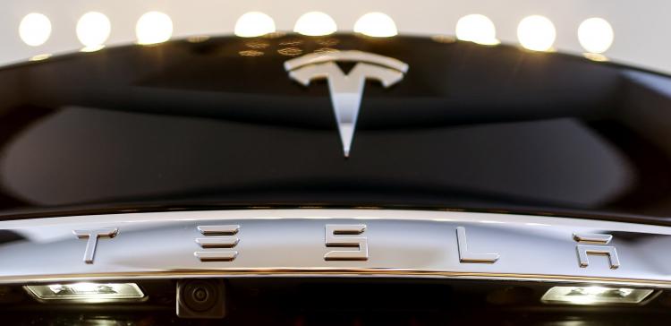 Tesla будет производить аккумуляторы на заводе в Техасе вместе с внедорожниками Cybertruck
