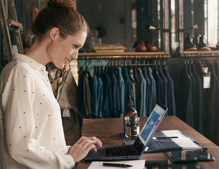 "Ноутбук Lenovo ThinkPad C13 Yoga Chromebook Enterprise построен на платформе AMD"""