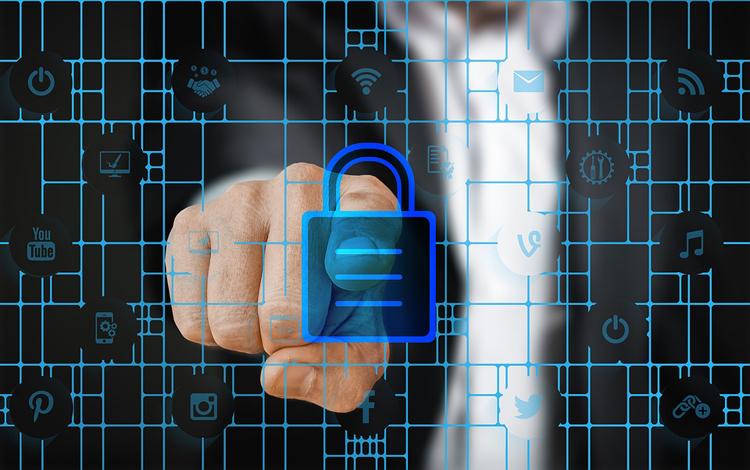 За отказ удалить запрещённую информацию сайты будут наказывать на 15 млн рублей