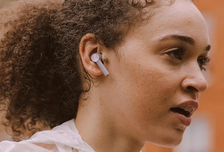 OnePlus представила полностью беспроводные наушники Buds Z по цене ниже $50
