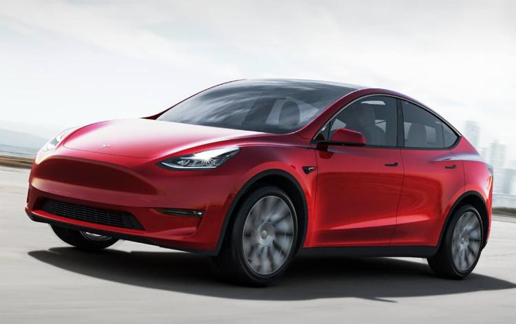 Tesla начнёт производство семиместного кроссовера Model Y в ноябре