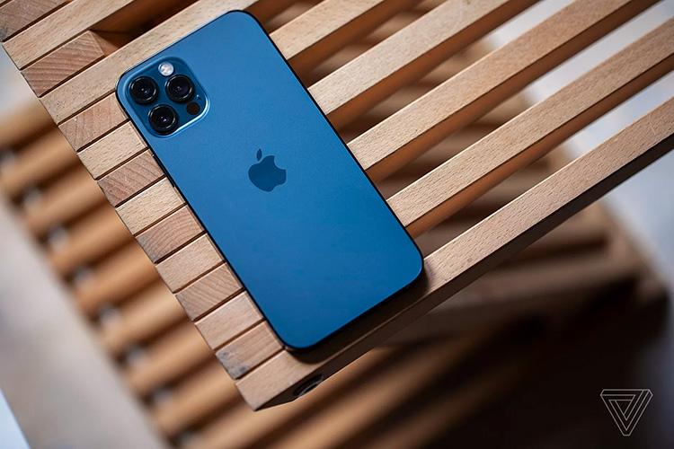 iPhone 12 разряжается за считанные часы при работе в сетях 5G
