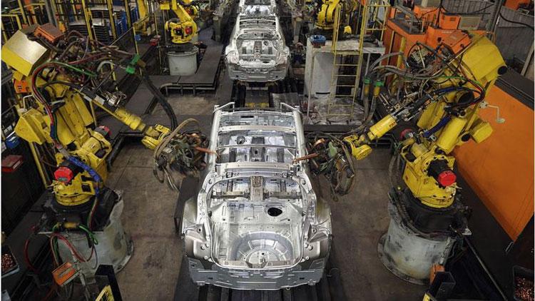 Автомтзированная заводская сборка. Источник изображения: Getty Images