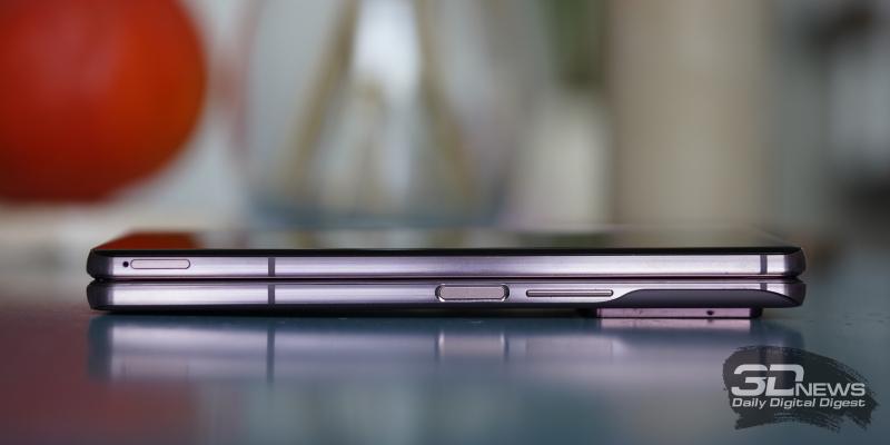 Samsung Galaxy Z Fold2, боковые грани: слот для SIM-карты, клавиша включения/блокировки с встроенным сканером отпечатков и клавиша регулировки громкости