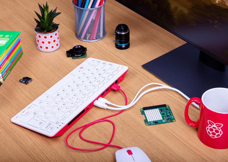Представлен Raspberry Pi 400 — полноценный настольный компьютер внутри клавиатуры по цене $70