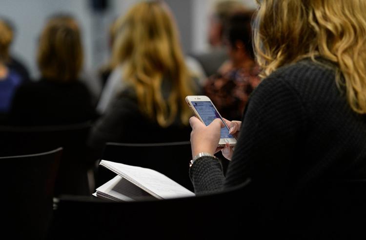 Средняя скорость мобильного интернета в России достигла 24 Мбит