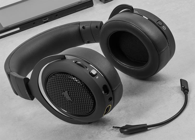 Проводная игровая гарнитура Corsair HS70 обладает поддержкой Bluetooth