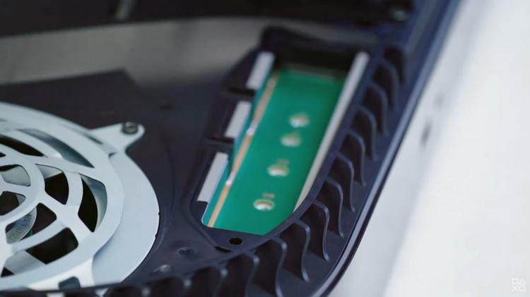 Выяснилось, что PlayStation 5 не поддерживает дополнительные SSD. Слот для них активируют как-нибудь потом