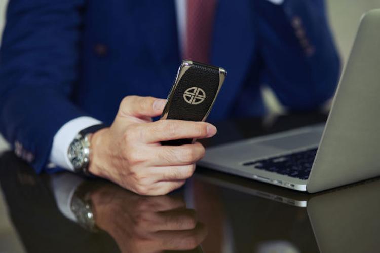 Бывшие сотрудники Vertu создали телефон премиум-класса Xor Titanium за $3900