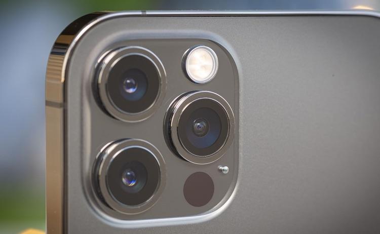 iPhone 12 Pro Max как и предшественник не может снимать в темноте на камеру с телеобъективом