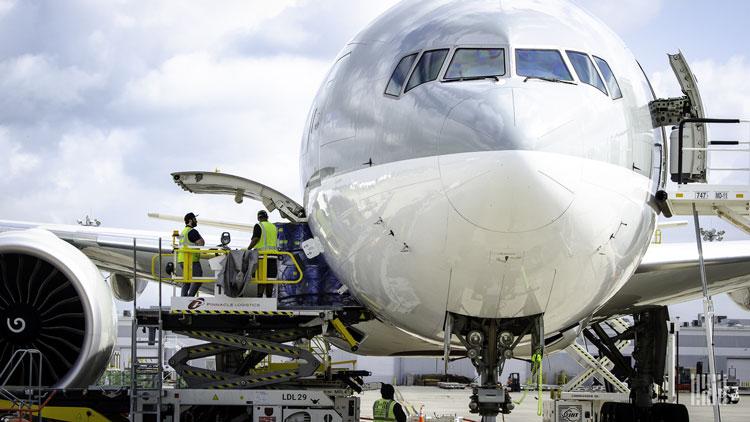 Загрузка грузовго Boeing. Источник изображения: Jim Allen/FreightWaves