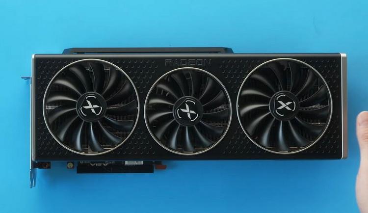 """«Она невероятно огромная»: видеоблогер поделился первыми впечатлениями от XFX Radeon RX 6800 XT Speedster Merc 319"""""""
