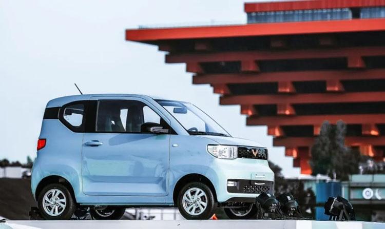 Электромобиль MINI EV киатйской компании