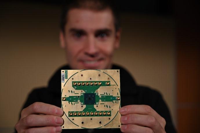Криогенный контроллер Horse Ridge первого поколения. Источник изображения: Intel