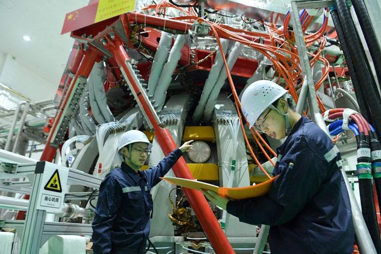 """Китай зажигает «искусственное солнце»: введён в эксплуатацию термоядерный реактор HL-2M Tokamak"""""""