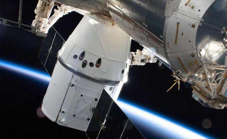 Обновлённый грузовой корабль SpaceX Dragon успешно состыковался с МКС