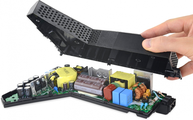 Фото и видео: полная разборка PlayStation 5 от iFixit