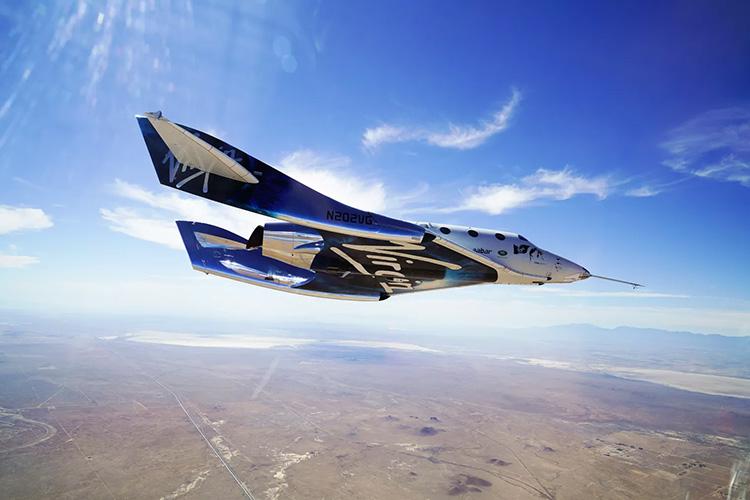 Virgin Galactic VSS Unity планирует к взлётно-посадочной полосе во время предыдущего полёта
